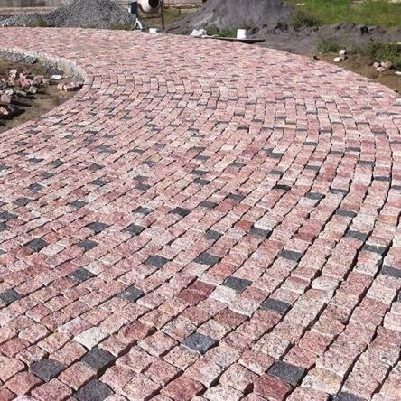 Maple Red Granite Splitface Cobblestone
