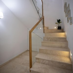 Classic Cross Cut Travertine Honed cut-to-size slabs 2 cm