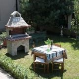 Garden Barbeque 'Medium' with splitface stone