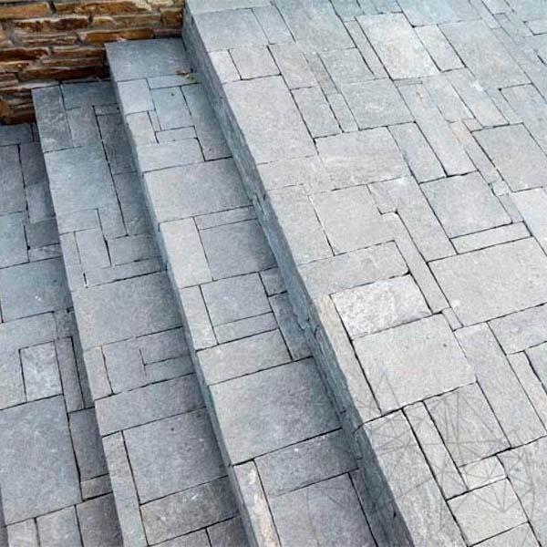 Kavala Roman Pattern Riven Slate 4-5 cm title=Kavala Roman Pattern Riven Slate 4-5 cm