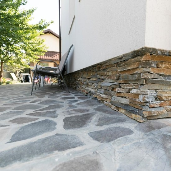 Sikis Mix Slate Strips (Pallet 10-12 sqm)