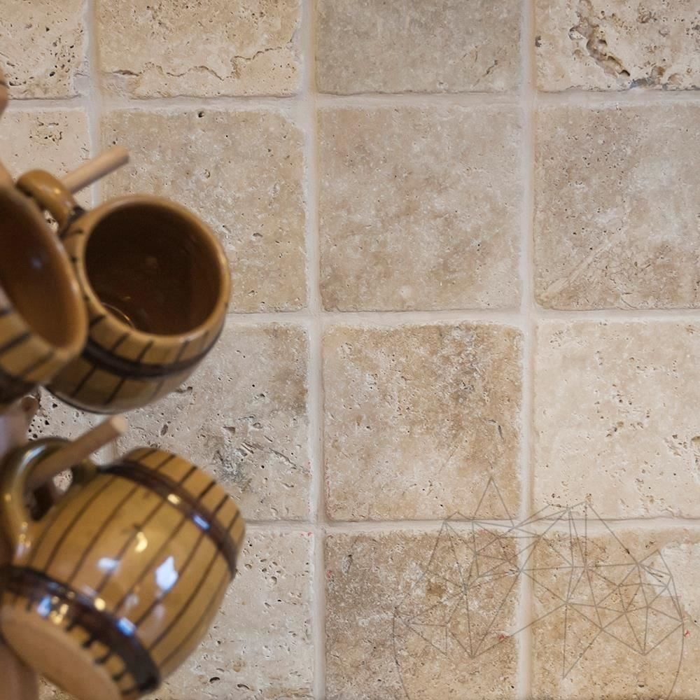 Classic Cross Cut Tumbled Travertine 10 x 10 x 1 cm title=Classic Cross Cut Tumbled Travertine 10 x 10 x 1 cm