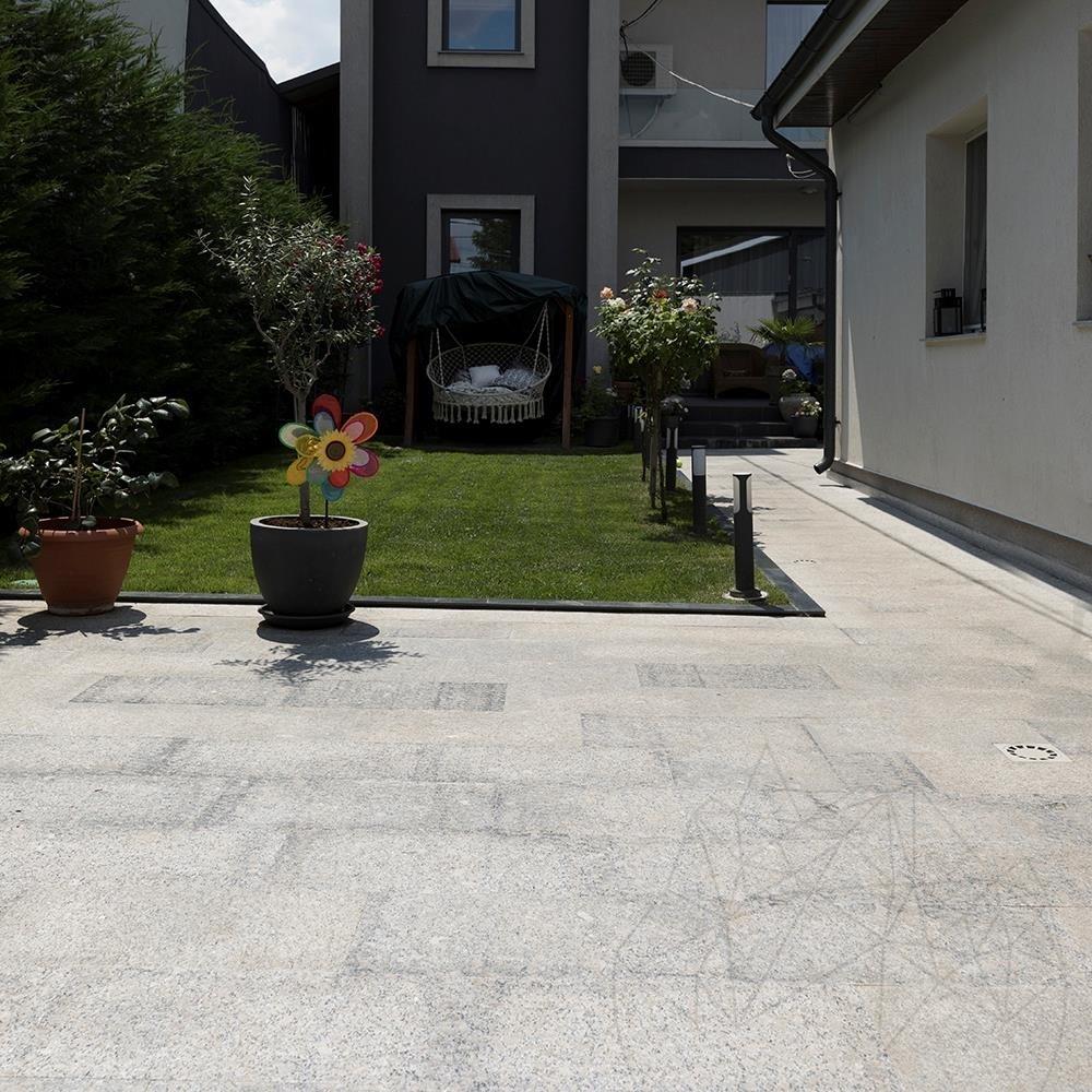 Rock Star Grey Flamed Granite 60 x 30 x 1.5 cm title=Rock Star Grey Flamed Granite 60 x 30 x 1.5 cm