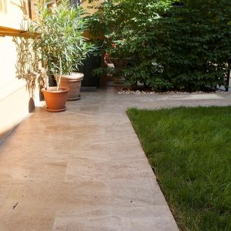 Latte Brushed Travertine 61 x 40.6 x 3 cm
