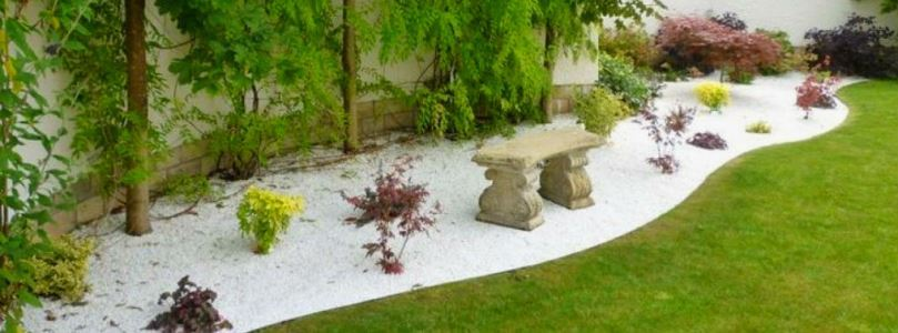How to decorate your garden with unique natural stones