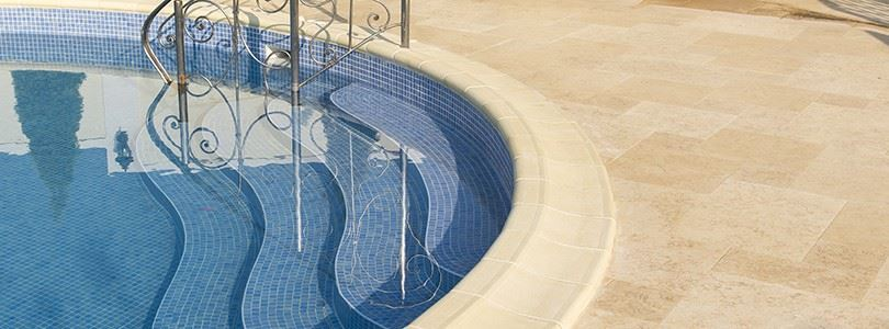 How to choose the perfect pool cooping: pros and cons for material and finishes