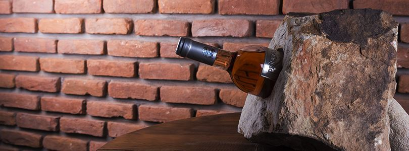 Win a Sandstone holder for your wine bottles!