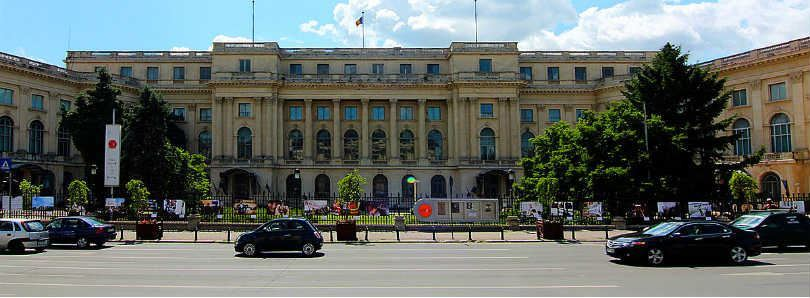 Discover the unique history & architecture of the Royal Palace in Bucharest