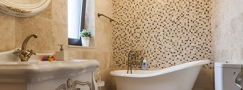 Bathroom design ideas with classic style and Venetian inspiration