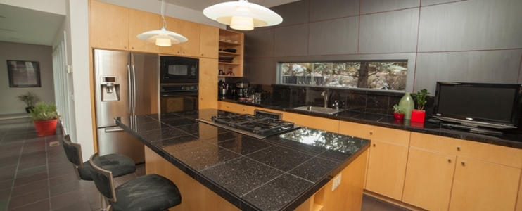 How to obtain a natural stone tile countertop